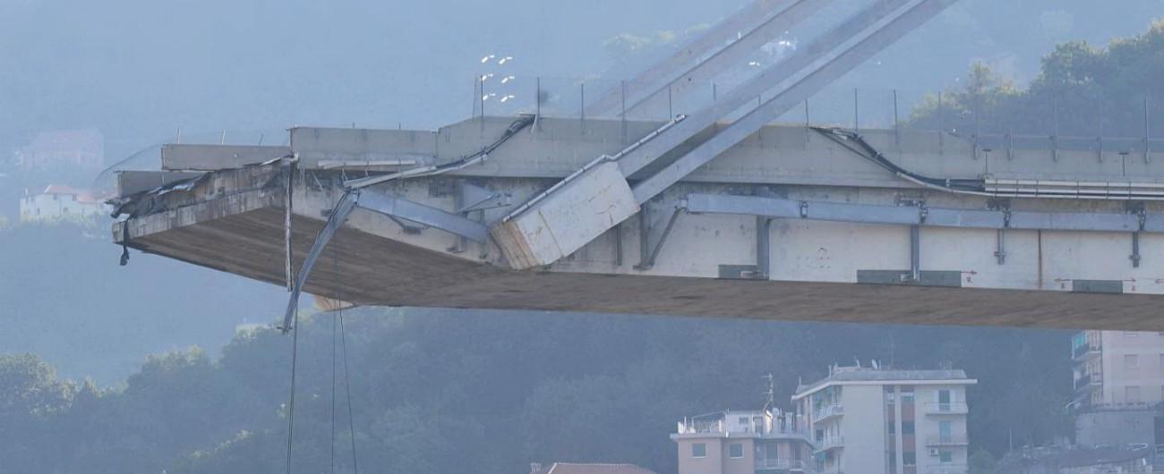 Morandi, testimone smonta versione pro-Aspi sul crollo: 'Nessuna bobina caduta'. Autostrade: 'Era distante, visibilità scarsa'