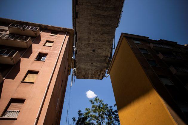 """Ponte Morandi, scricchiola moncone: """"Pronti ad abbatterlo""""."""
