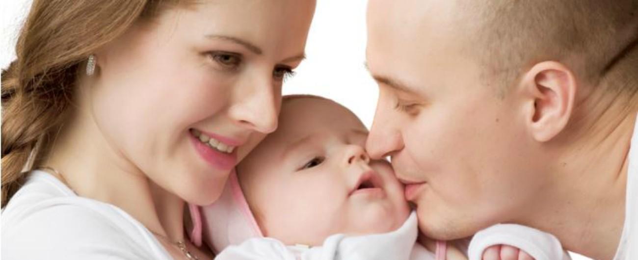 Maternità, la proposta in Svizzera: congedo parentale di 38 settimane per i neo-genitori