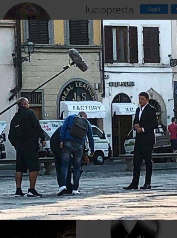 Matteo Renzi, al via le riprese per il suo docufilm sulle bellezze di Firenze: il primo ciak in Santa Croce
