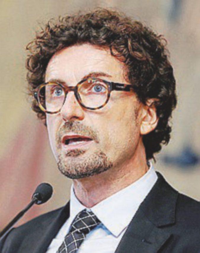 """Toninelli vuole """"nazionalizzare"""". La Lega (Giorgetti) non è convinta"""