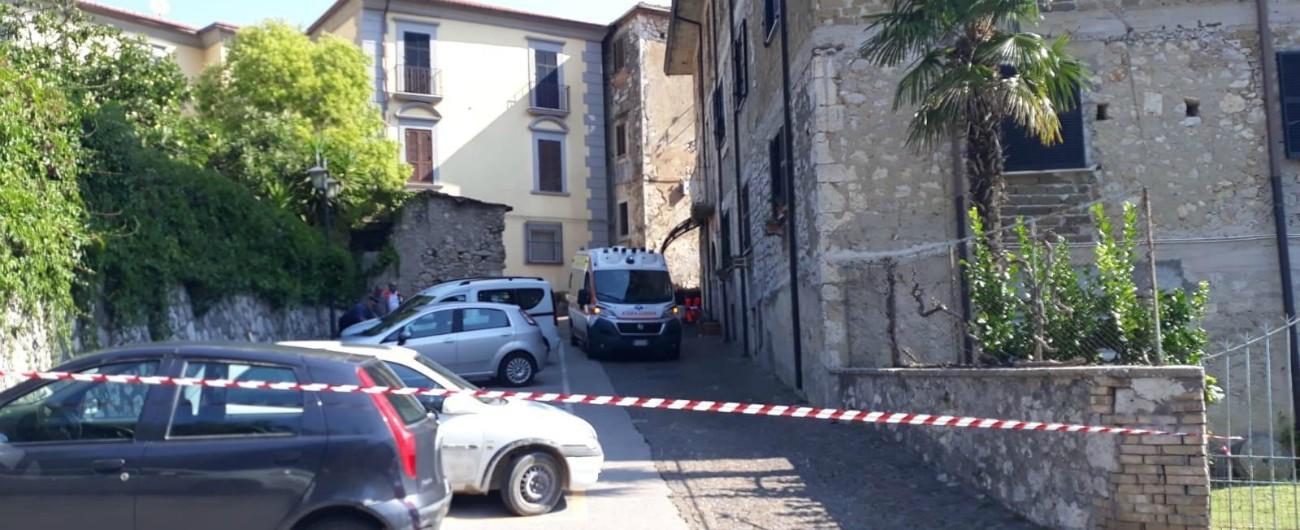 Frosinone, pensionato uccide i figli di 26 e 18 anni e si suicida: gli ha sparato nel sonno