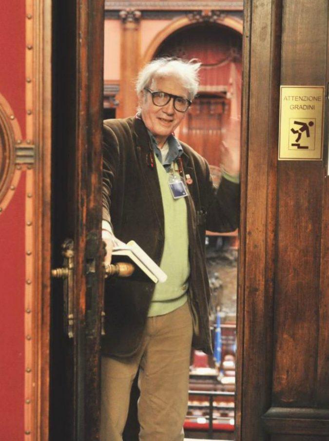 """Vincino morto a Roma: il fumettista satirico aveva 72 anni. La carriera da """"Il Male"""" a """"Cuore"""""""