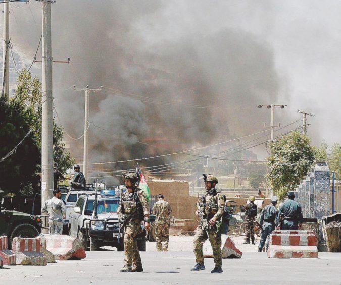 """La """"Festa del sacrificio"""" secondo l'Isis: battaglia di sei ore a Kabul"""