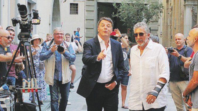 """Piazza del Duomo chiusa, Renzi gira """"Florence"""" con tanto di drone"""