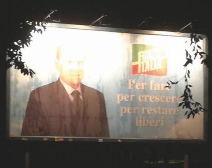 """Silvio in campo """"per fare"""", ma ormai è solo una fiction"""