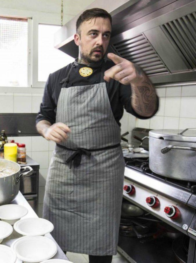 """Chef Rubio contro Salvini: """"Perché il capretto musulmano no, ma l'agnello cristiano sì?"""""""