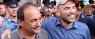"""Migranti, Saviano a Riace: """"Questo modello è vincente, ma oggi viene boicottato. Da qui riparte il sud"""""""