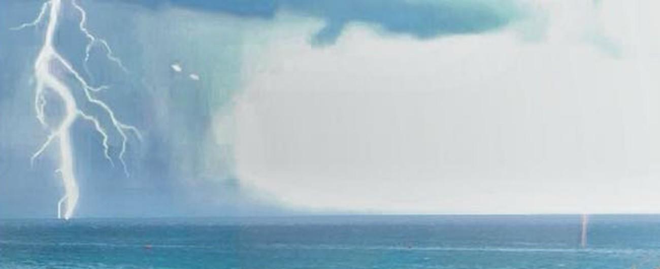 Salento, fulmine cade sulla spiaggia di Porto Cesareo: 4 feriti, grave un 13enne