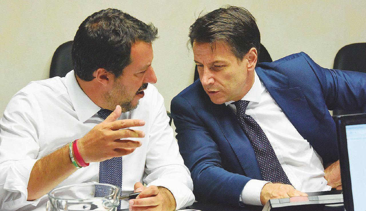 In Edicola sul Fatto del 24 agosto: Diciotti, Conte può scavalcare Salvini