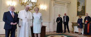 """Abusi su minori, Papa Francesco a vittime irlandesi: """"Ripugnanti. Abbiamo fallito. Elimineremo questo flagello a ogni costo"""""""
