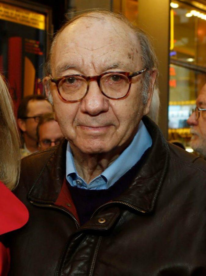 """Usa, è morto il drammaturgo Neil Simon: l'autore di """"A piedi nudi nel parco"""" e """"La strana coppia"""" aveva 91 anni"""