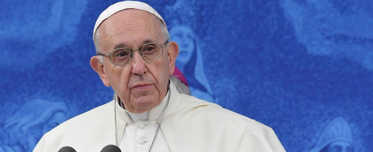 """Pedofilia, Papa Francesco sulle accuse dell'ex nunzio Viganò: """"Fate voi il vostro giudizio. Io non dirò una parola"""""""