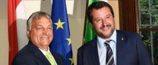 """Orban-Salvini, incontro a Milano: """"Insieme per cambiare questa Unione"""". A piazza San Babila migliaia in protesta"""