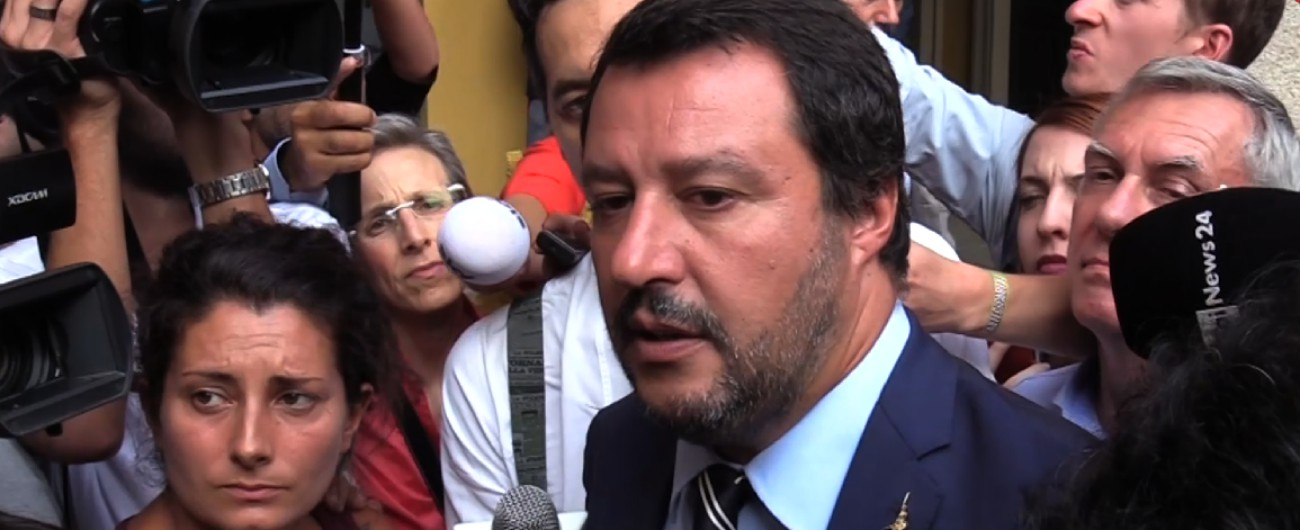 """Manovra, Salvini: """"Rispetteremo i vincoli Ue, non faremo tutto subito. Gli 80 euro restano fino al varo della flat tax"""""""