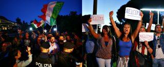Migranti, i 100 della Diciotti arrivati a Rocca di Papa. Folla divisa, tra saluti romani e cartelli con scritto 'Welcome'