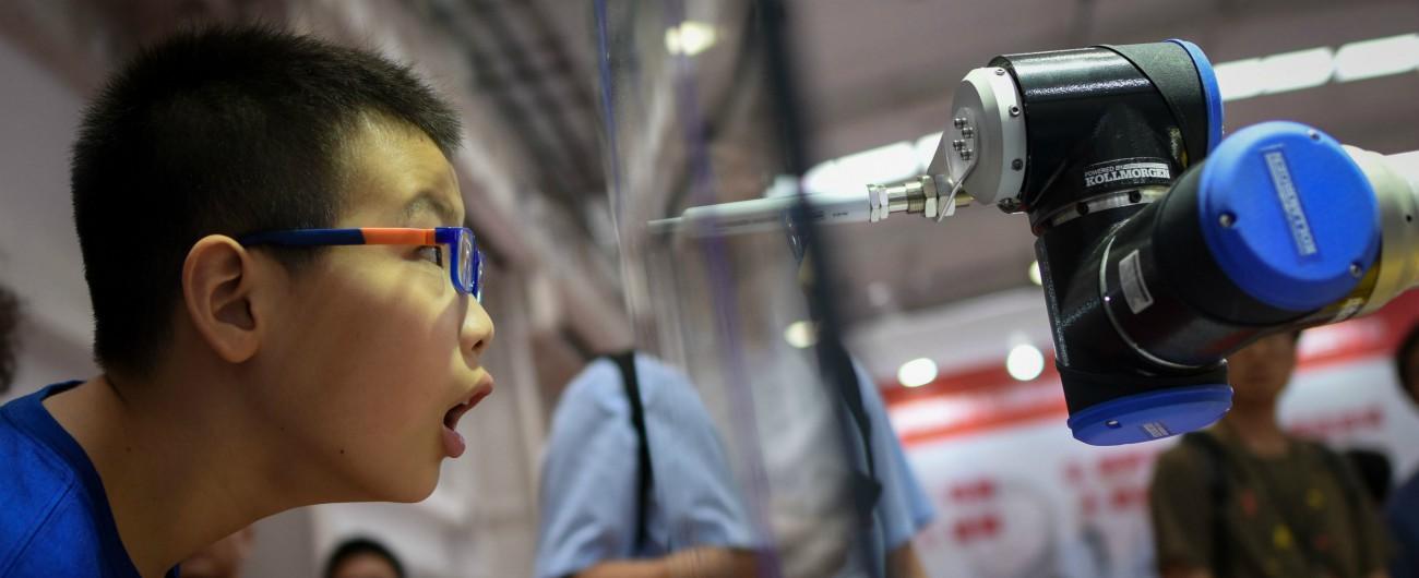 """Cina, report governativo: """"La rivoluzione tecnologica costerà tra i 40 e i 50 milioni di posti di lavoro in 15 anni"""""""