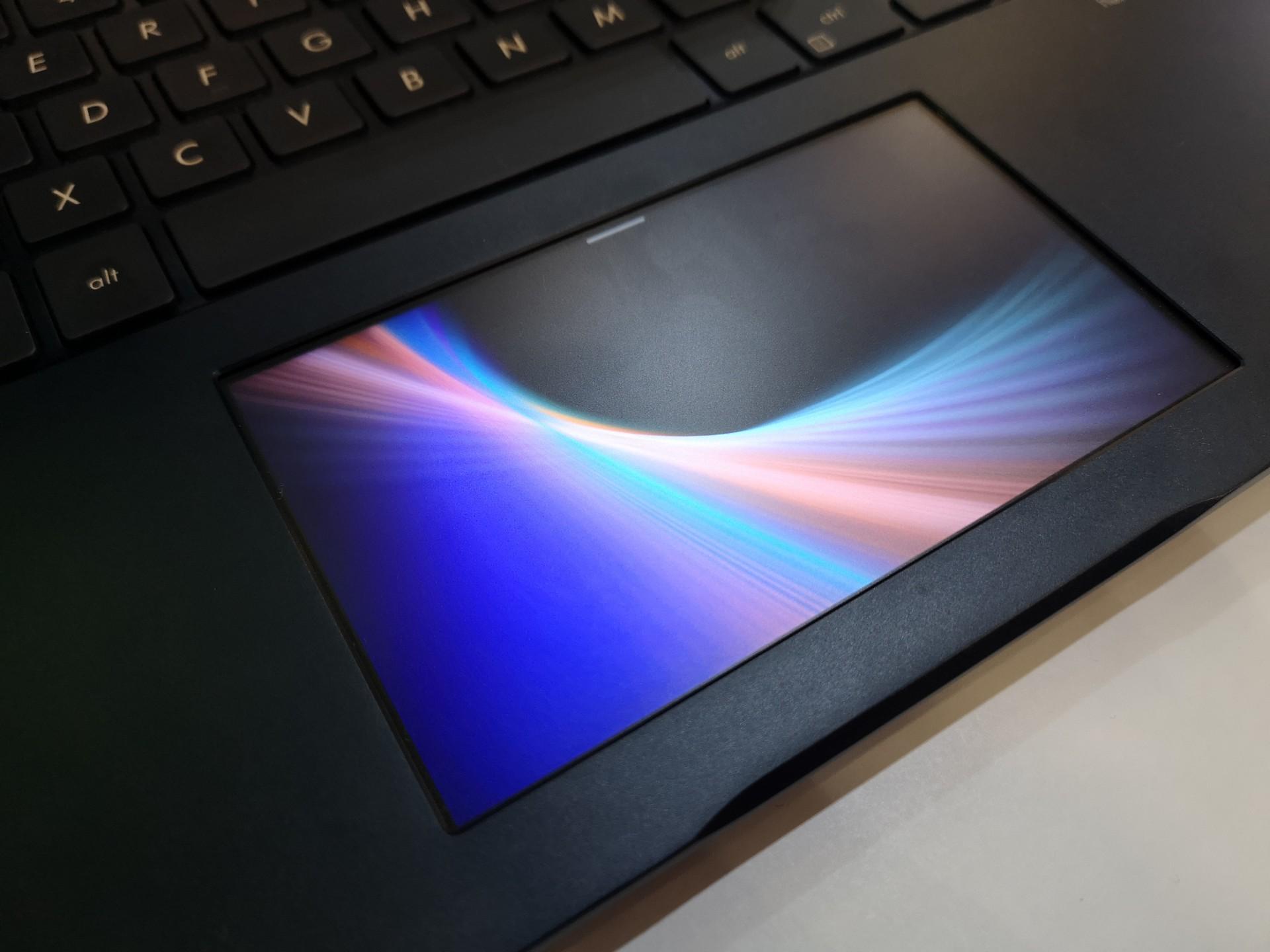 Asus ZenBook Pro, il touchpad diventa ScreenPad e rivoluziona l'uso del portatile