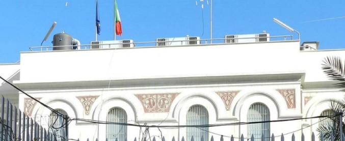"""Libia, colpo di mortaio vicino ambasciata italiana a Tripoli. Italia, Francia, Usa e Gran Bretagna: """"Stop escalation violenza"""""""