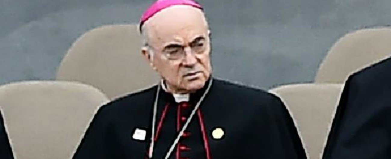 """Viganò, torna a parlare l'ex Nunzio: """"Il silenzio del Papa? Conferma la mia testimonianza. Altri casi oltre McCarrick"""""""