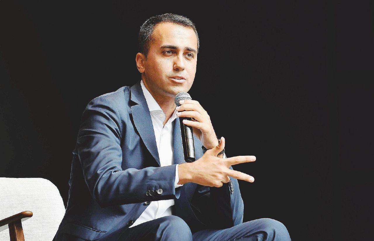 In Edicola sul Fatto Quotidiano: Il vicepremier del M5S (e poi Di Battista) alla Versiliana