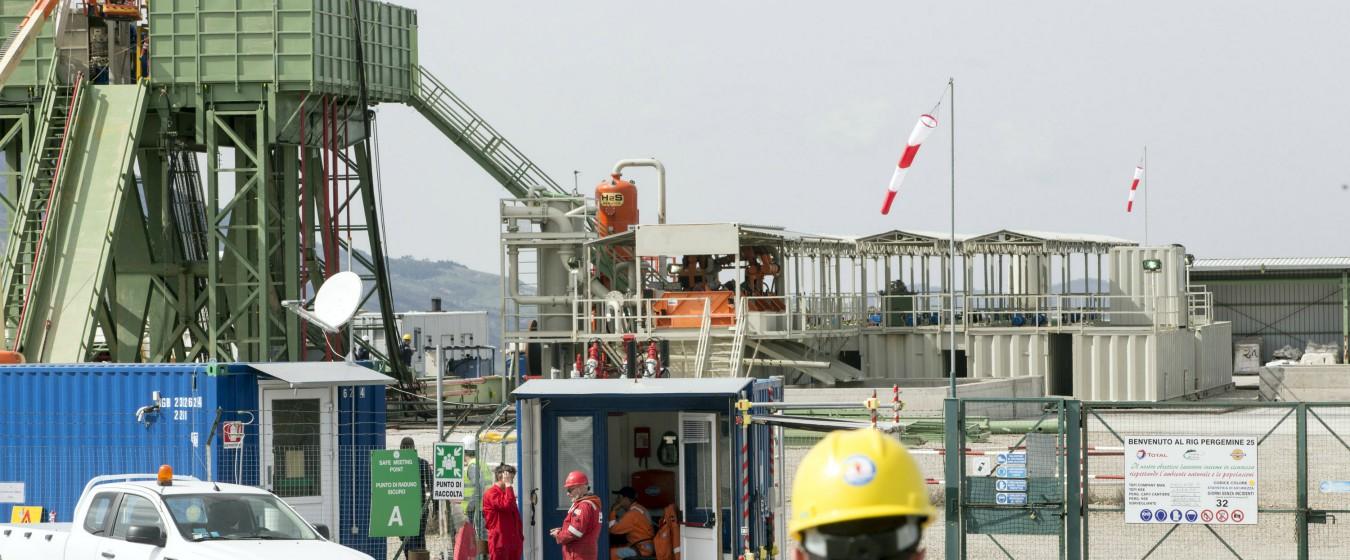 """Tempa Rossa, stop della Basilicata a avvio dell'estrazione di petrolio: """"Non rispetta prescrizioni"""". Ma Total fa partire le prove"""