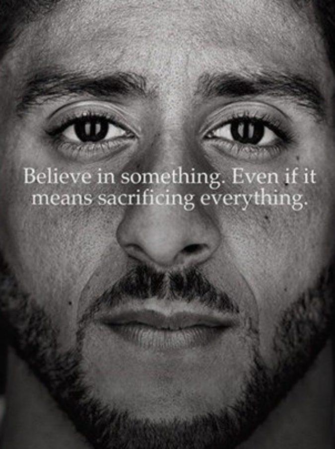 Nike, la scelta del testimonial contro Trump fa discutere: è Colin Kaepernick il volto della nuova campagna