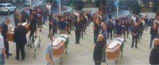 Sassari, saluto romano e vessillo fascista al funerale del professore Gianpiero Todini