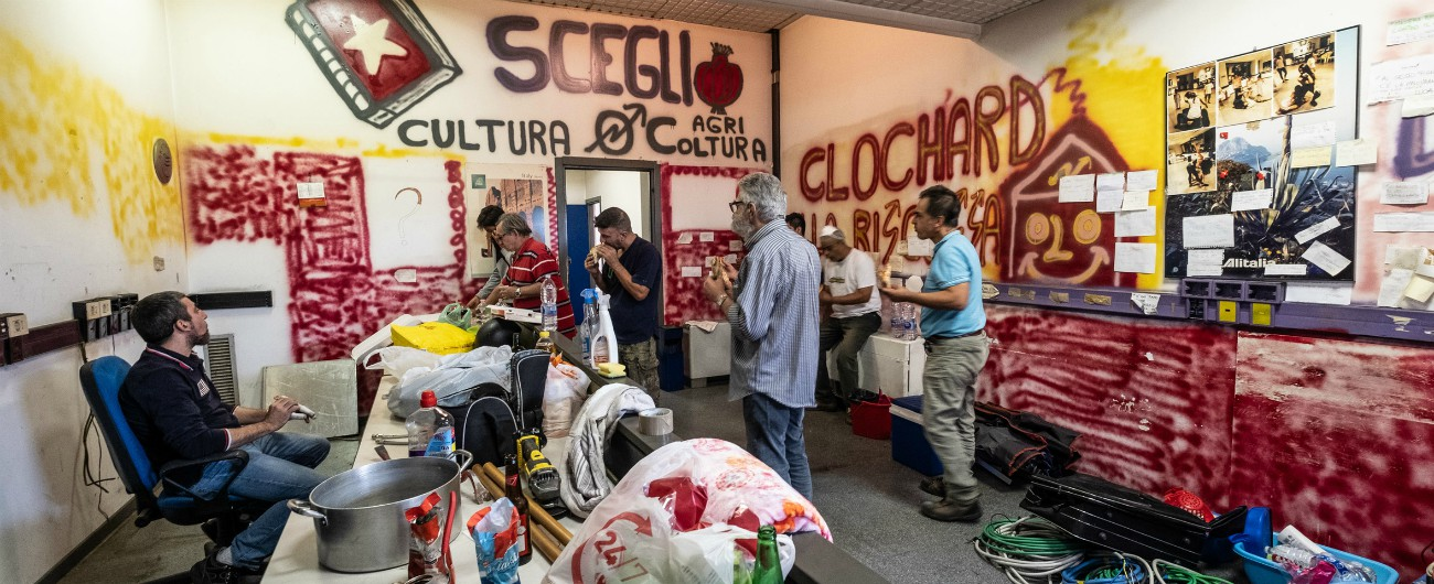 """Sgomberi, a Sesto liberato un palazzo occupato. E le famiglie tornano a Milano. Majorino: """"La destra ha responsabilità"""""""