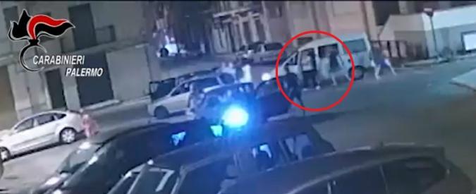 """Palermo, 7 arresti per l'aggressione ai migranti minorenni. """"Colpiti con bastoni e mazze. Dissero: 'Vi ammazziamo tutti'"""""""