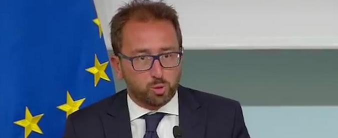 """Vilipendio al capo dello Stato, il ministro Bonafede: """"Firmate nove autorizzazioni a procedere tra cui Grillo e Salvini"""""""