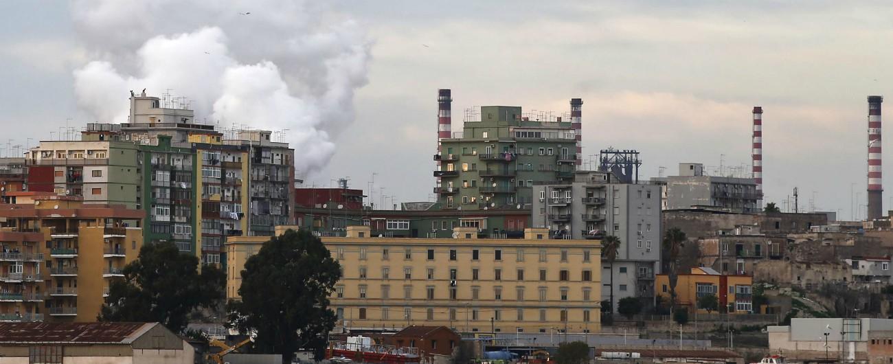 """Ilva, a Taranto contestata deputata M5s: """"Dovevate chiuderla"""". Emiliano: """"Non firmo piano ambientale senza garanzie"""""""