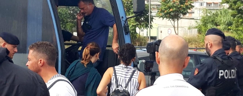 """Nave Diciotti, migranti che erano a Rocca di Papa fermati al presidio di Baobab. Salvini: """"In fuga da guerra? No, da legge"""""""