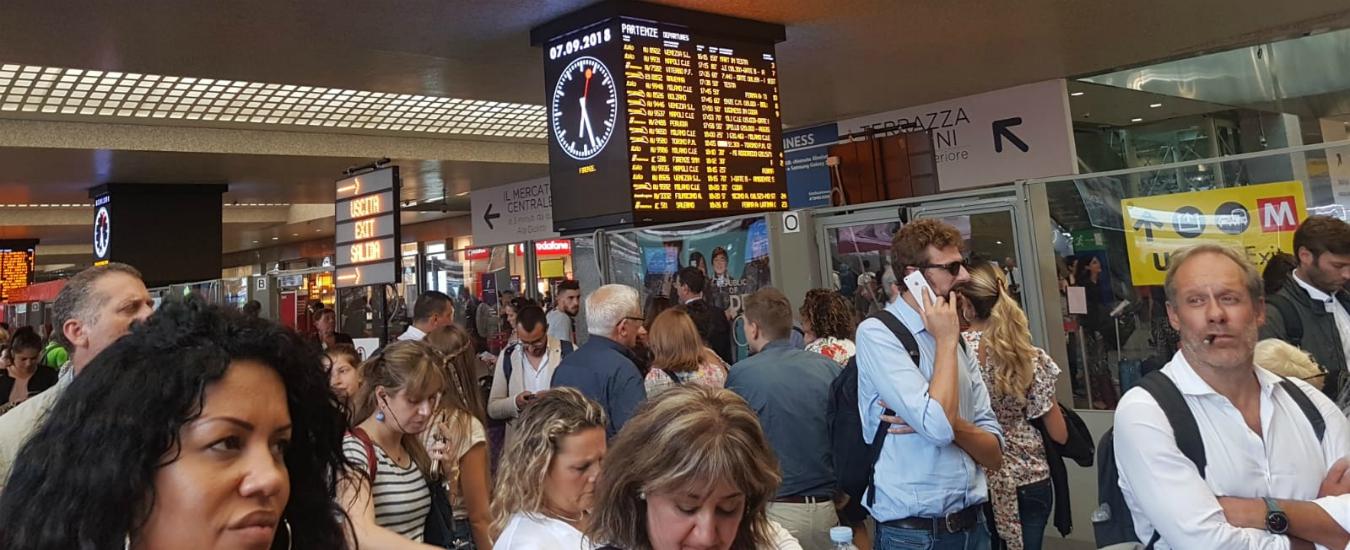 Termini, treni in ritardo e una scena da guerriglia