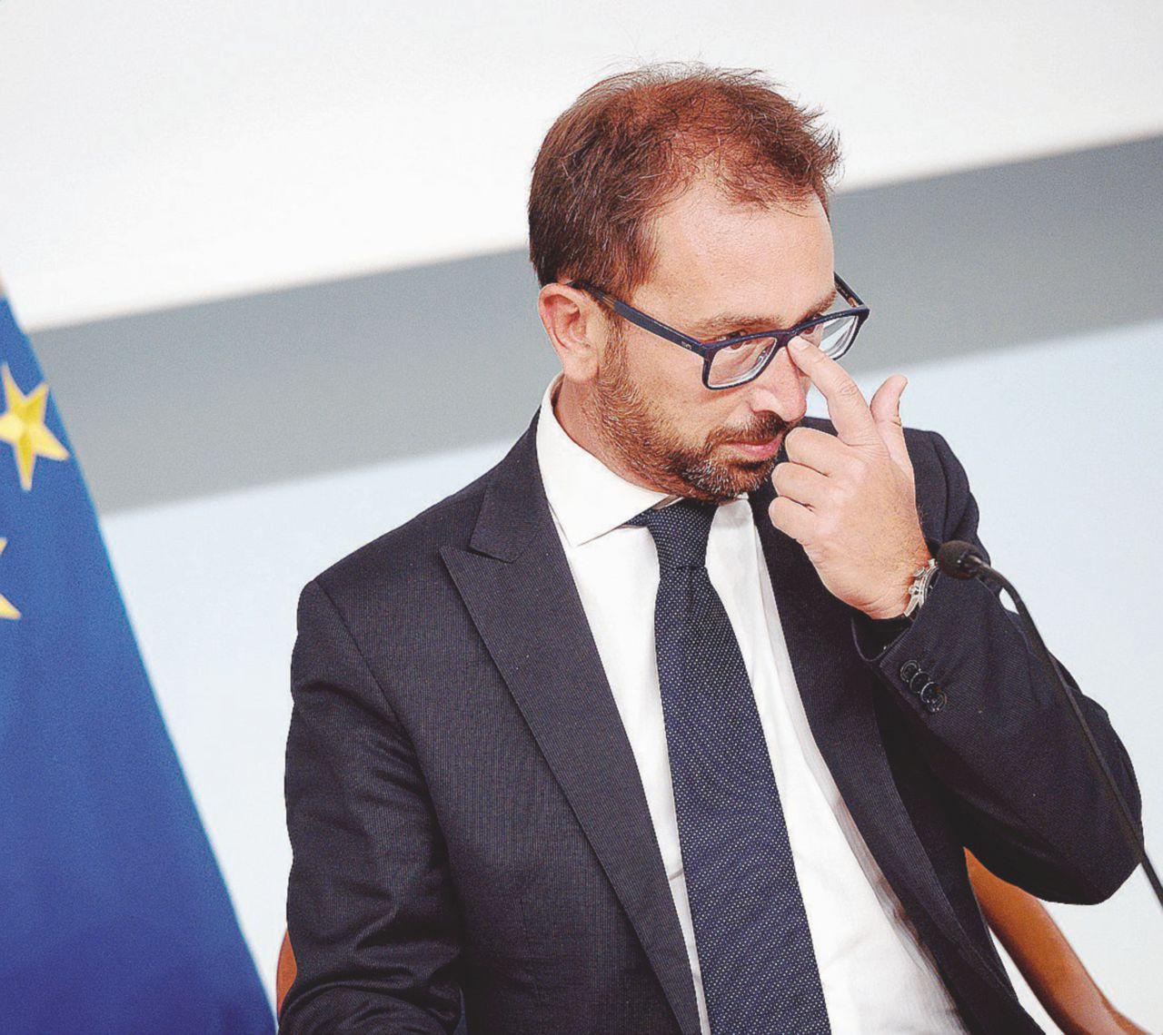 """Chiamò le toghe """"schifezza"""" Bonafede: processate Salvini"""