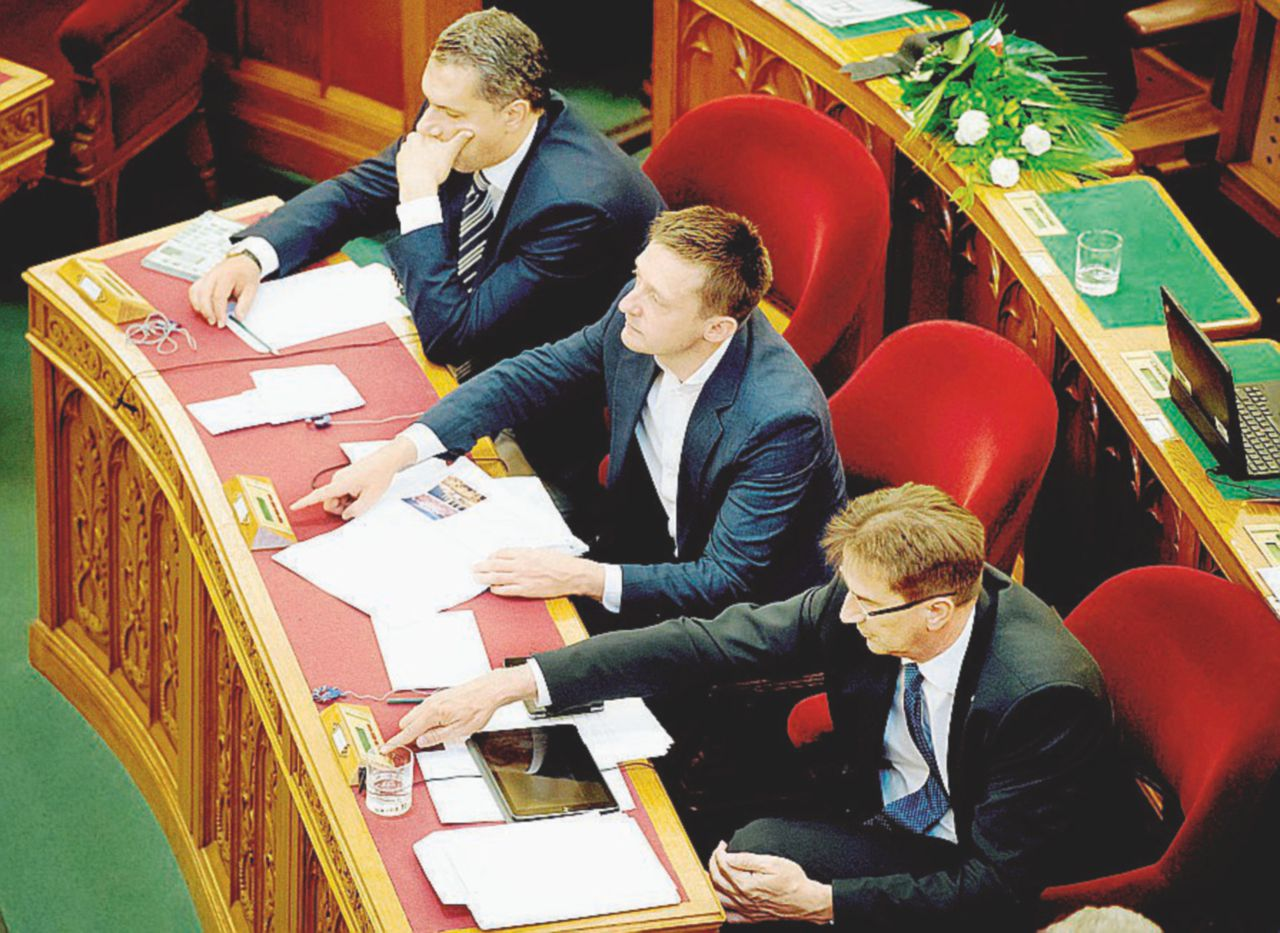 """Contro l'immigrazione ma non quella ricca Budapest ha """"venduto"""" 20 mila permessi"""
