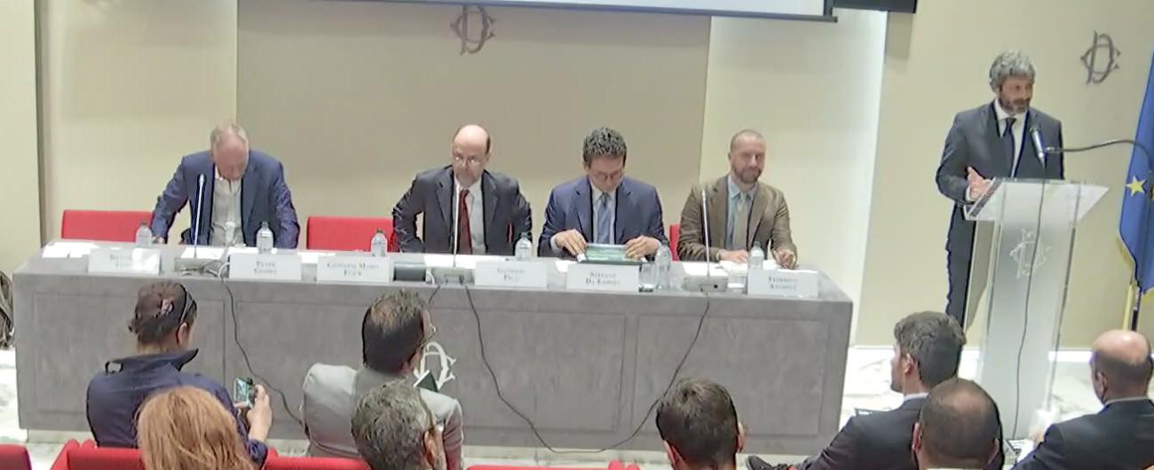 Italia interrotta il peso della corruzione sulla crescita for Diretta dalla camera dei deputati