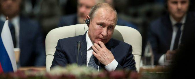 Putin, per (alcun)i media italiani la Russia è ancora comunista. Ed è il vero nemico dell'Occidente