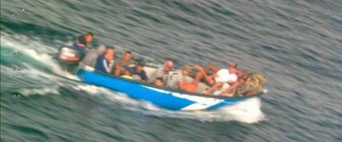 """Migranti, in 184 arrivano coi barchini a Lampedusa. Ieri Salvini diceva: """"Farò di tutto per non farli sbarcare"""""""