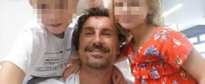 """Danilo Toninelli su Instagram: """"Ho revocato la revoca della concessione al mio barbiere"""". Poi modifica il post"""