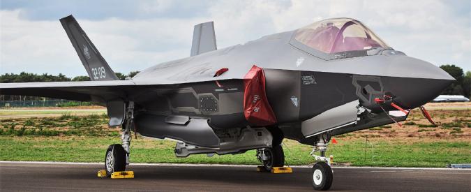 F-35, ancora nessun taglio. Intanto l'Italia fa da piazzista per la Lockheed