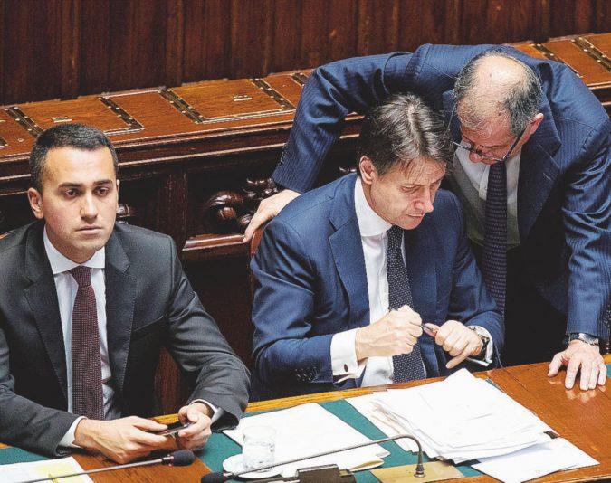 Manovra, scontro sul deficit M5S e Lega contro la linea Tria