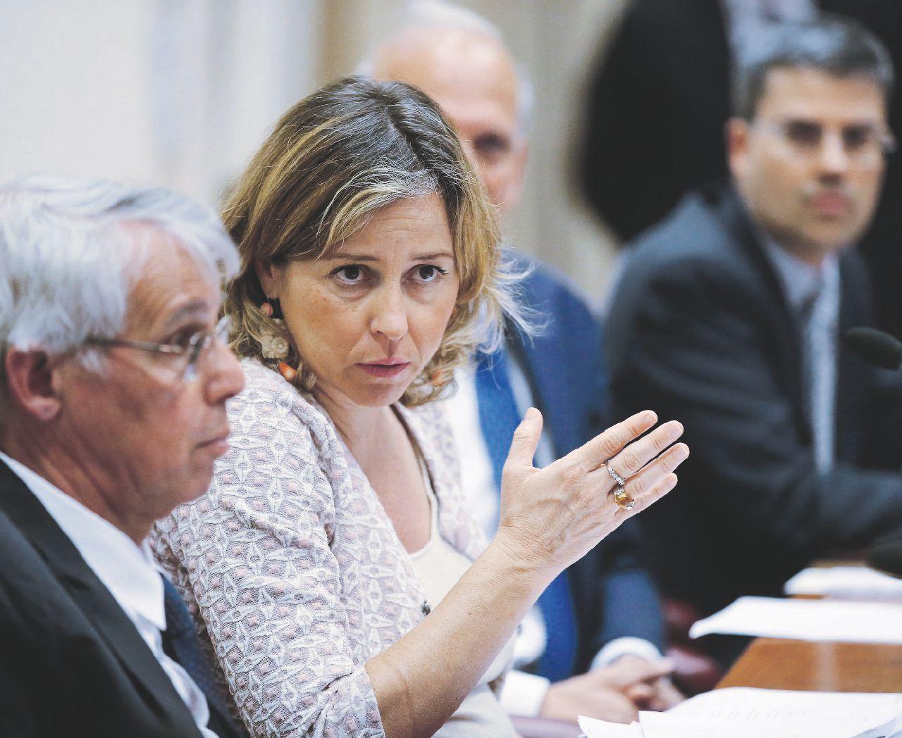 """Sanità, intervista alla ministra Grillo: """"Tagli agli sprechi sui farmaci: così aboliremo il superticket"""""""