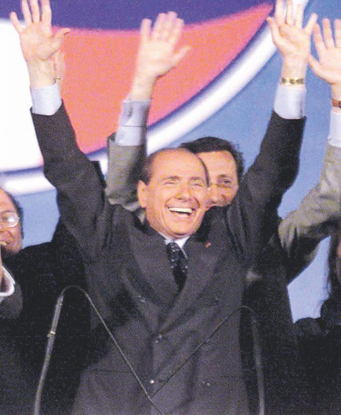 La pubblicità ai piedi di B.: così Mediaset spolpa la Rai. 25 anni e non sentirli