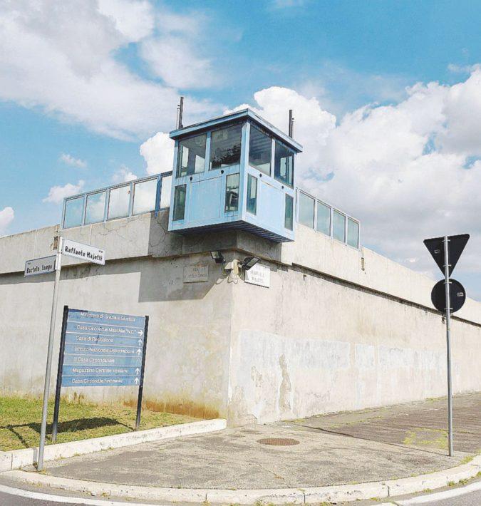 Tedesca 33enne in carcere getta i figli giù dalle scale