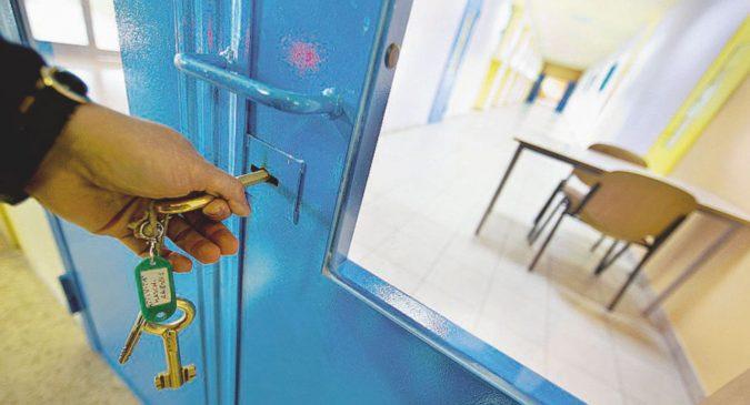 """I ragazzi detenuti di Nisida: – """"Giusto togliere i figli ai papà boss"""""""