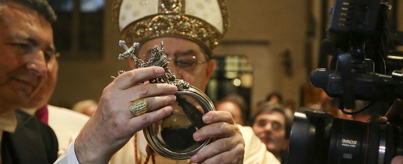 San Gennaro, malore per cardinale Sepe durante la cerimonia. L'omelia: 'Violenza che coinvolge i bambini è una bestemmia'