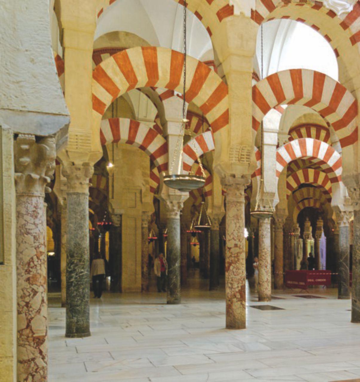 """""""Le cattedrali spagnole sono musei a pagamento nel deserto di fedeli"""""""