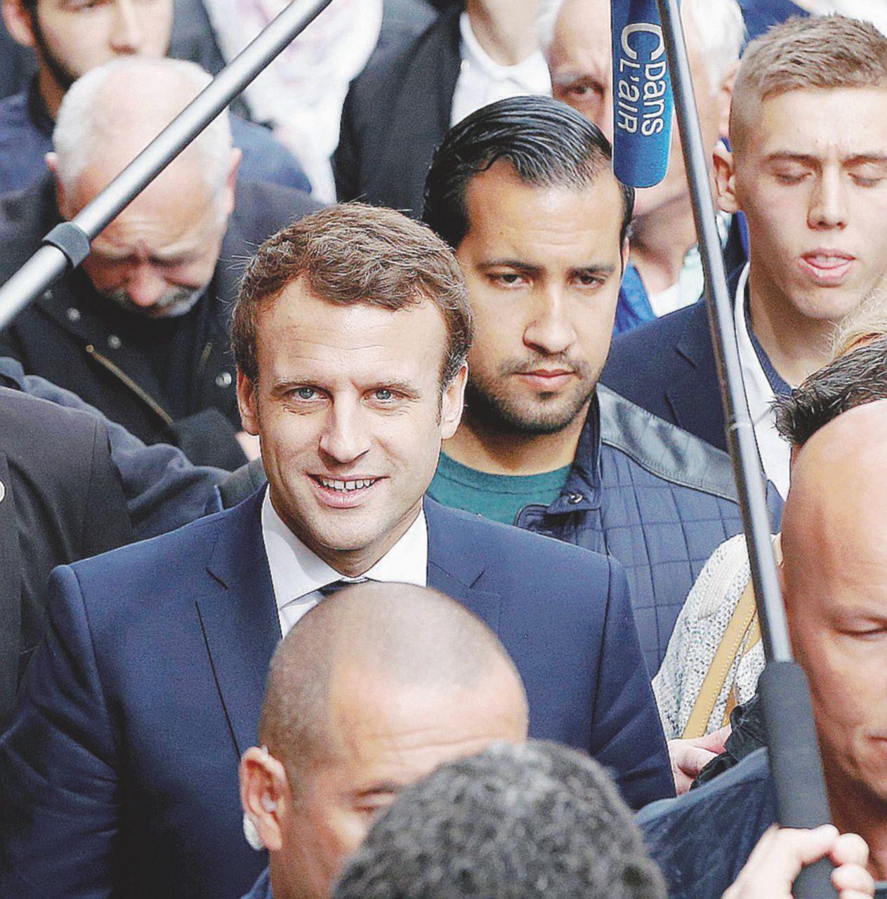 Feuilleton Benalla: una testimonianza per salvare Macron