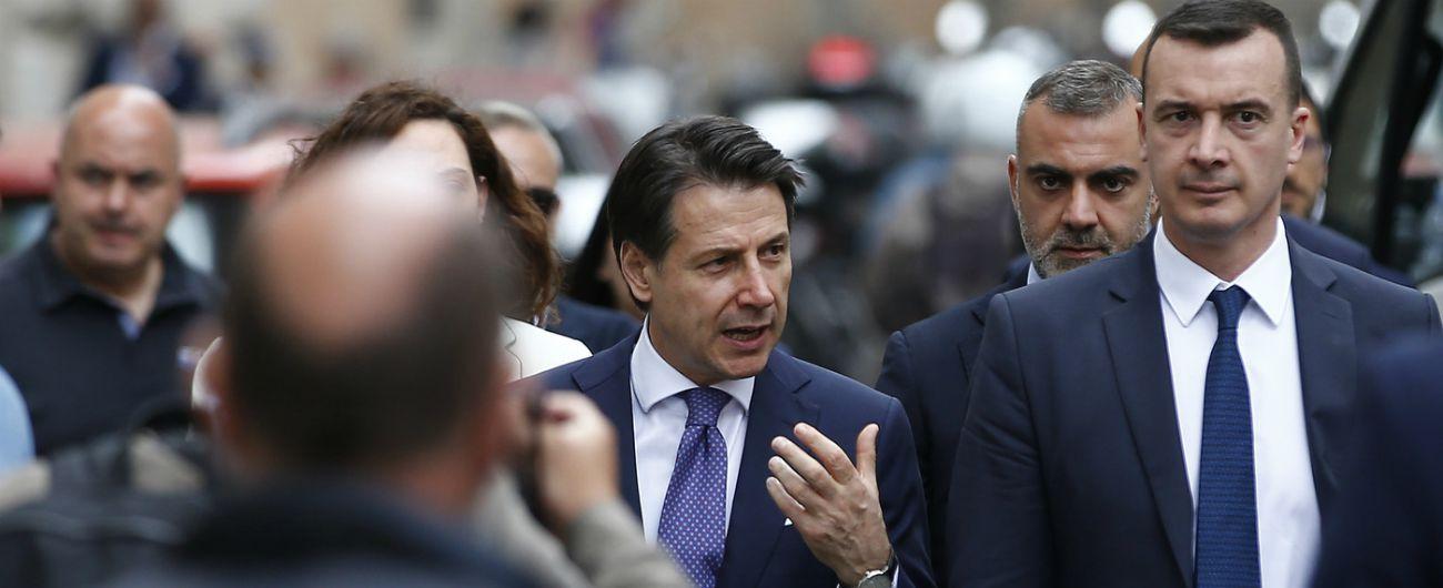 Stipendi staff premier, il cambiamento non c'è: Casalino guadagna più di Conte. Come Sensi prendeva più di Renzi